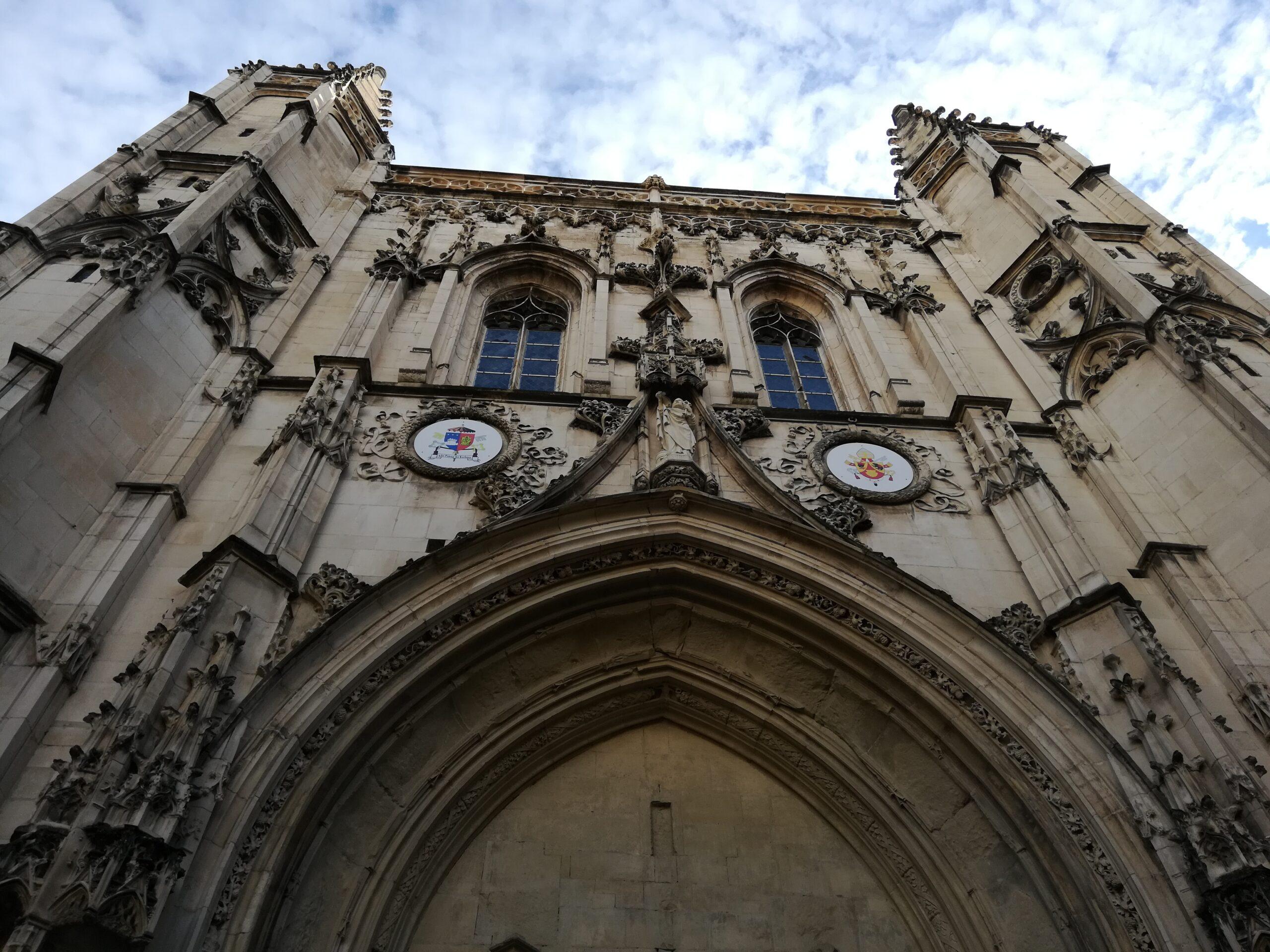 5 lieux incontournables à visiter autour d'Avignon