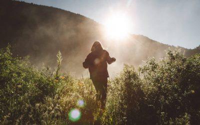 Réduire son empreinte carbone en voyage : 10 gestes à adopter