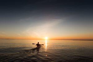 Kayak - découvrir les calanques - visiter les calanques - calanques de marseille - tourisme calanques - calanques