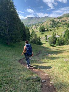 Marche, marcher, mode de transport bas carbone, comment limiter son empreinte écologique en voyage, tourisme durable, voyage responsable