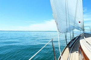 bateau stop, voyage en voilier, tourisme durable, éco-tourisme, comment limiter son empreinte écologique en voyage, les modes de transports bas carbone