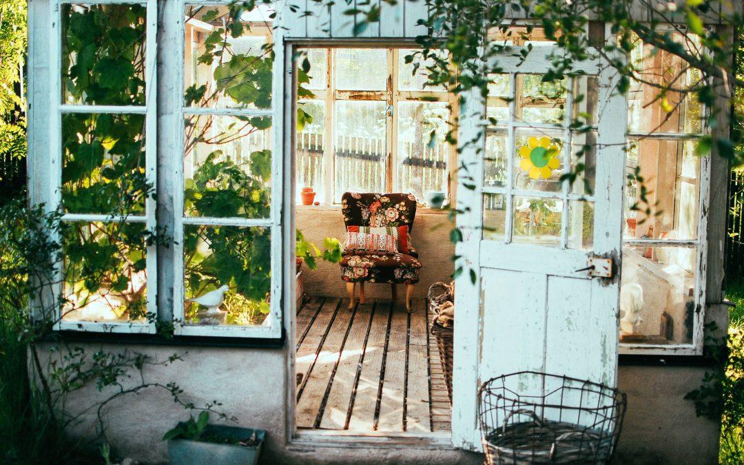 10 idées pour voyager depuis chez soi